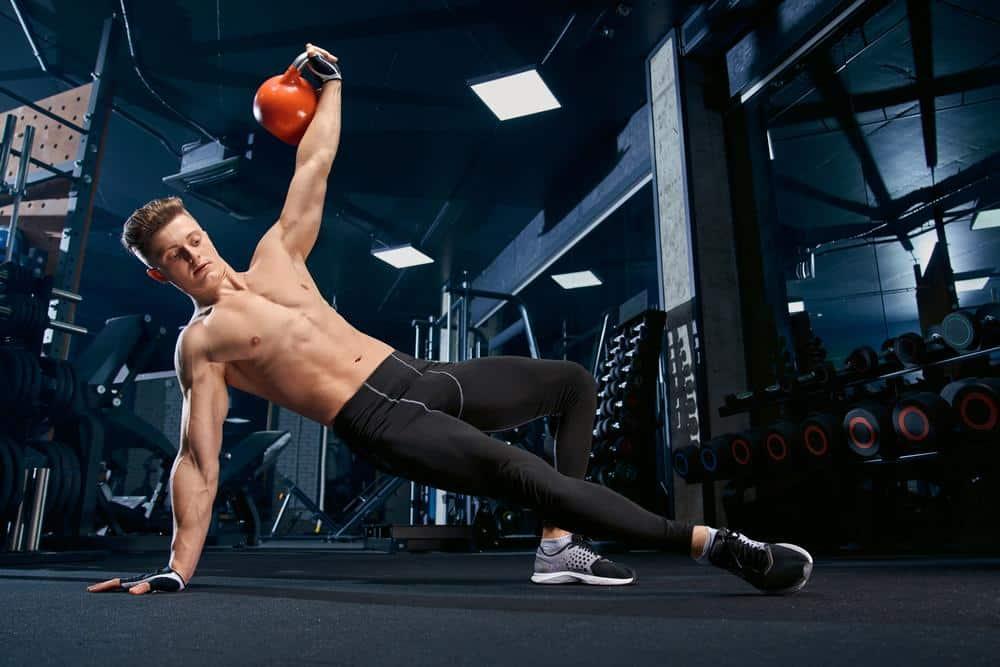 Ćwiczenia na boczki: trening siłowy