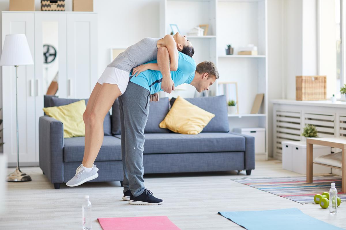 Ćwiczenia na plecy w domu